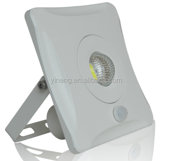 IP65 waterproof 80lm/w 100-240VAC 10W/30W/50W/100w slim outdoor led pir motion sensor LED flood lights lighting