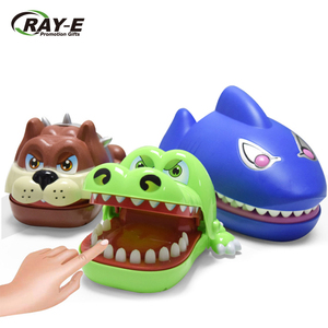 2019 best selling funny game toys shark crocodile and lucky dog finger biting toys bite hand toys