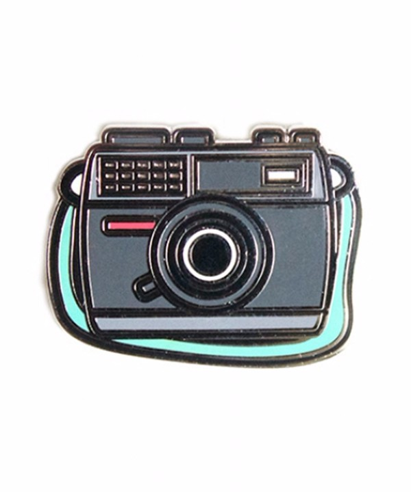 Factory directly sale soft enamel camera pin