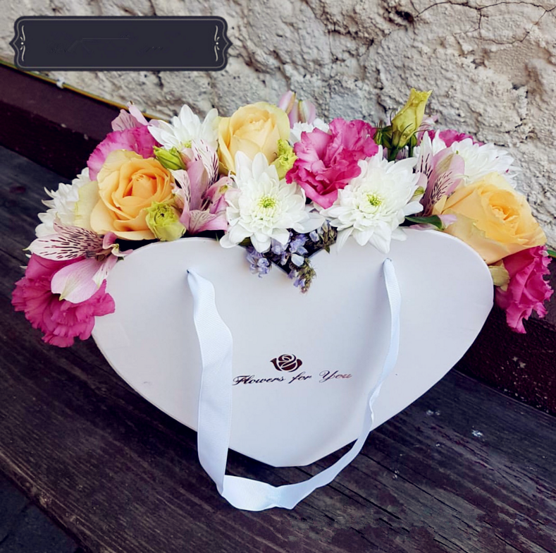 Customized Logo Print Heart Shaped Rose Flower Paper Gift Rose Box Packaging For Packaging Jewellery With Lid And Ribbon Handle