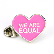 Stamping Metal Heart Shaped Lapel Brooch Pins Badges For Women