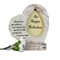 Resin Heart Shaped Paw Print Pet Memorial Stone with Photo Frame Outdoor Tombstone