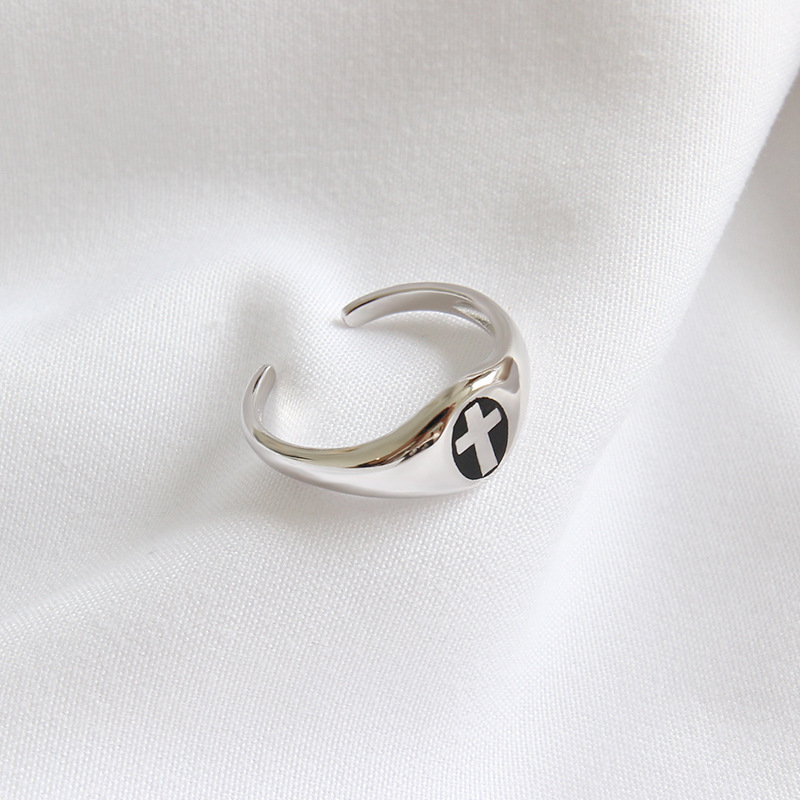 Simple vintage  925 sterling silver adjustable open cross ring