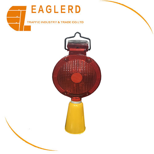 Solar LED Traffic Warning Flashing Lamps Barricade light For Road Safety