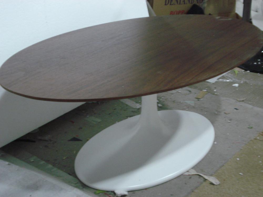 Oval Wood Top Tulip Dining Table Fiberglass Base Saarinen Tulip Table