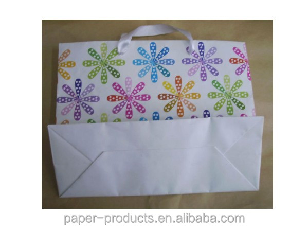 customized top quality white ribbon handles fancy mini kraft paper gift bags