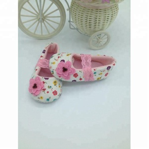 MOGUCHAOREN Wholesale soft plastic bottom sole cotton baby shoes with Black White Pink