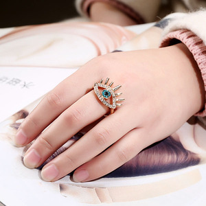 Personality vintage eye lashes alloy crystal ring
