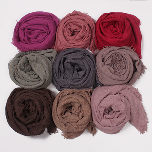 Yiwu 86 colors Wholesale Hotsale India Dubai Ladies Crinkle Hijab Scarf Plain Women Muslim Hijab Pashmina Head Scarf