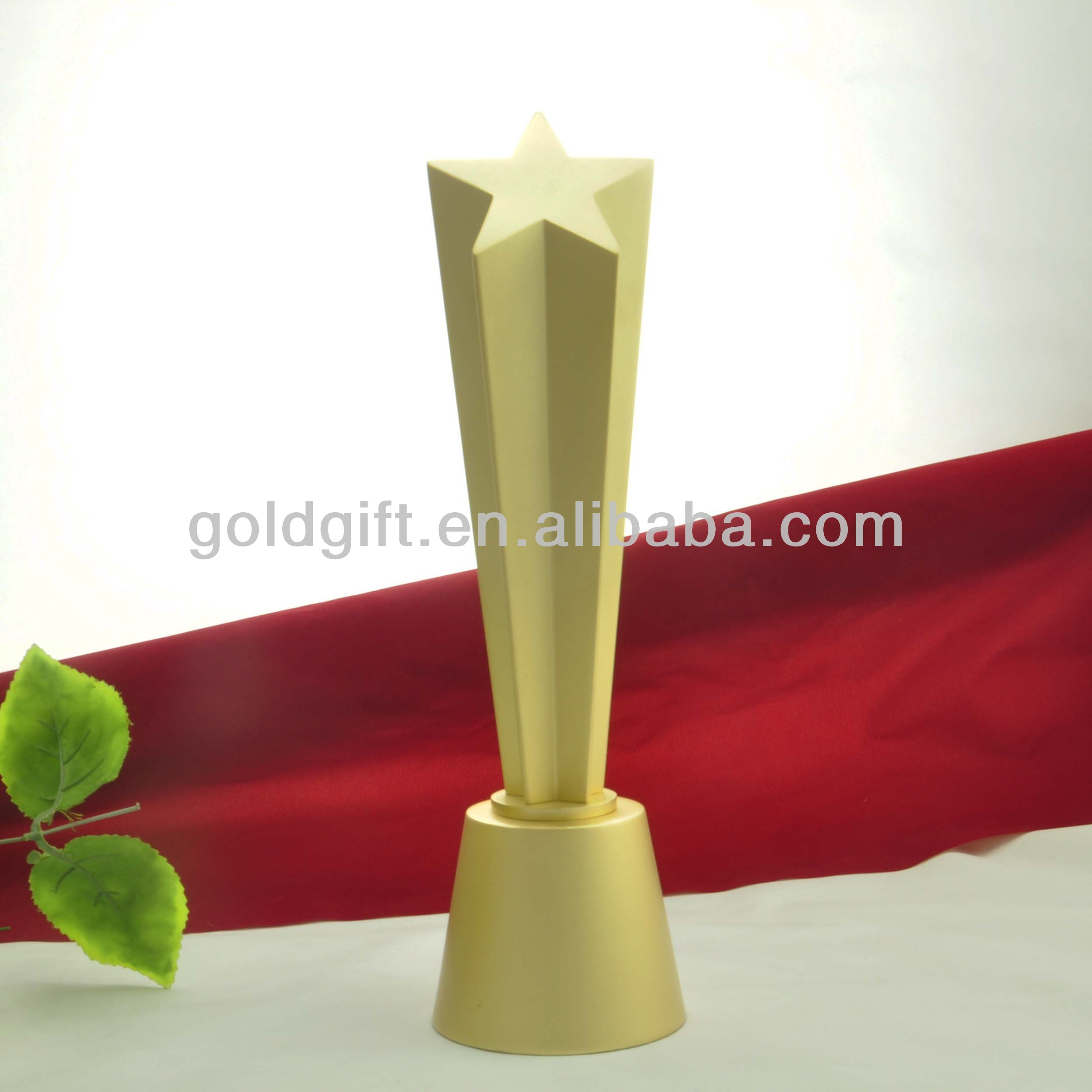Hohe Gold Star Trophy Gold basiert