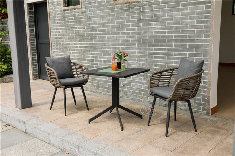In stock outdoor garden furniture restaurant dining set to Poland