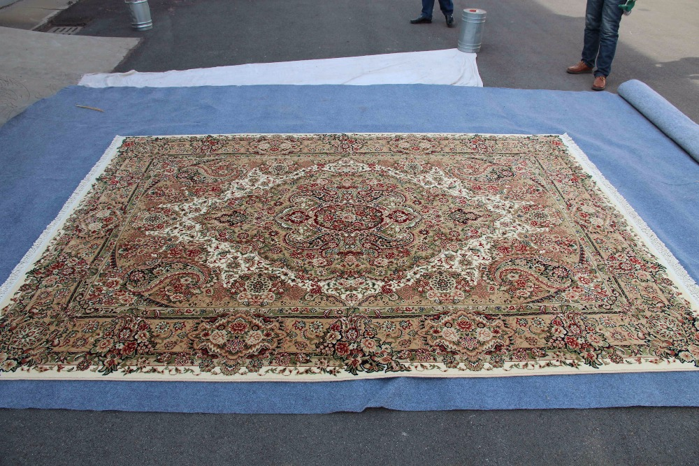 100 wool Persian design machine made rug