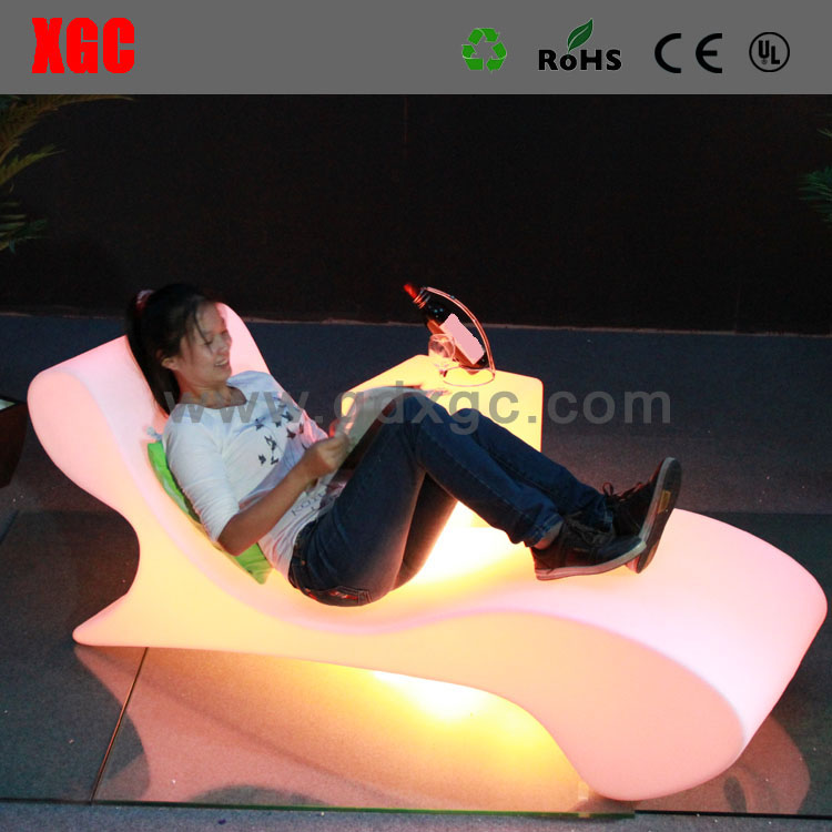 illuminated  Plastic LED Lighting Lounge For Seaside Glowing Swimming Pool Sun Lounger