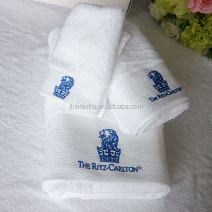 cheap 100% cotton Small MOQ wholesale custom logo 100% cotton White hotel pool Towel