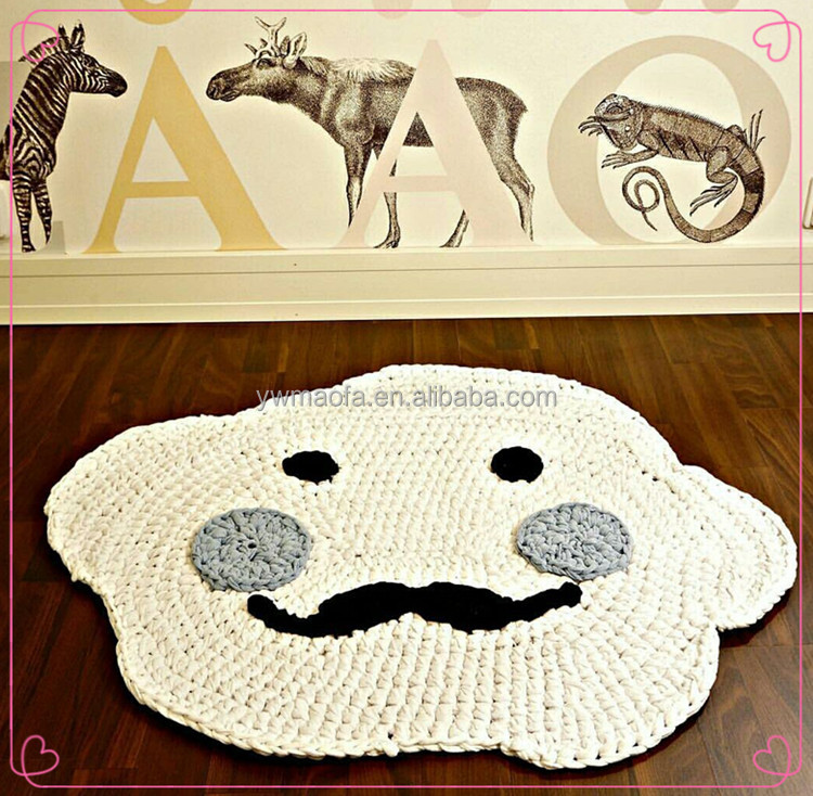 2017 New Baby Handmade 3D Cartoon Smile Face With Beard Rug Happy Cloud Cotton Knit Throw Blanket