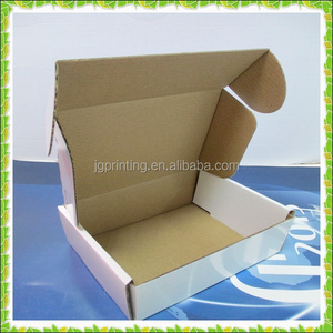 Wholesale stable white glossy corrugated postage box with logo