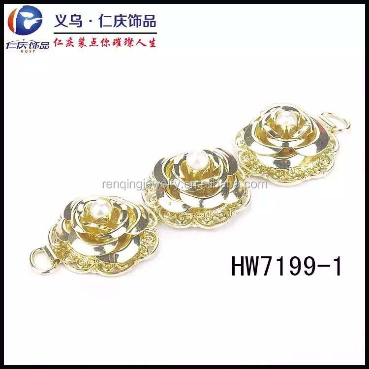 2017 fashion style gold metal flower with pearl sandal ornaments