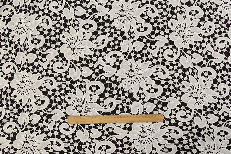 China textile guipure lace water soluble lace fabric for wedding dress