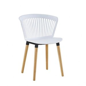 2019 new dining room furniture Modern competitive price simple PP white top solid wood leg wholesale plastic dining chair