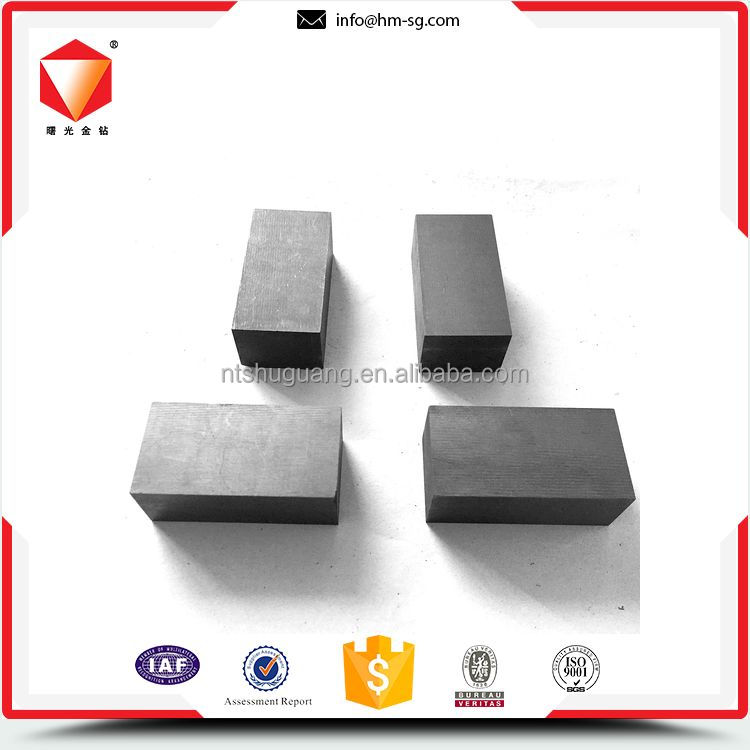Durable wide range graphite block for self lubrication