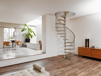 Indoor Solid Wood Spiral Staircase Design