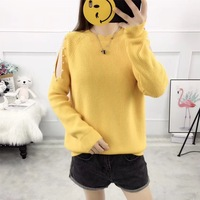 2018 Latest new arrival Hanging shoulder sexy woman pearl pullover sweater