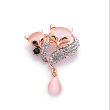 New design cat eye fox brooch crystal pink cat eye fox brooch for 2016 party favor gifts