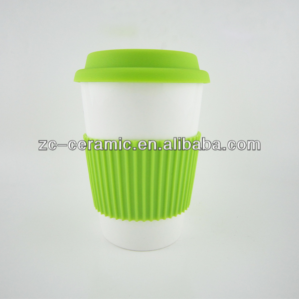 Double wall coffee mug with silicone lid