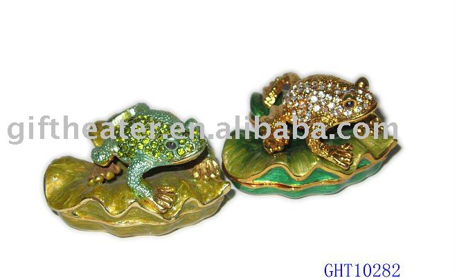 frog on lotus leaf trinket box