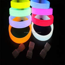 <span class=keywords><strong>Glowsticks</strong></span>, glow in the dark custom glow polsband armband, geschenken glow stick armband