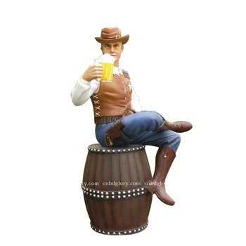 Beer bar decor sculpture fiberglass Drinking man statue