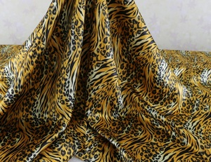 African Wild Leopard Satin Fabric Soft Satin Charmuse For Bedding Gowns Lining material