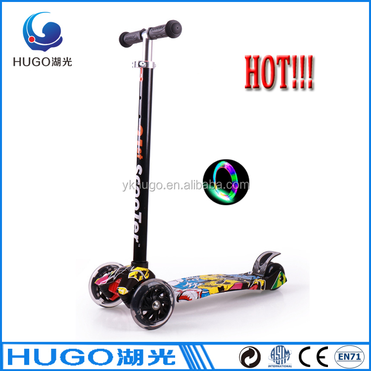 Children 4 Wheel Adjustable Height Maxi Kick Scooter with LED Light Up Wheels