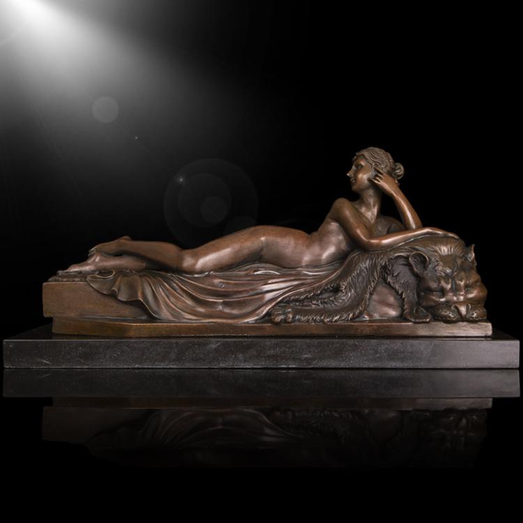 Woman posing naked rodin bronze statue replica