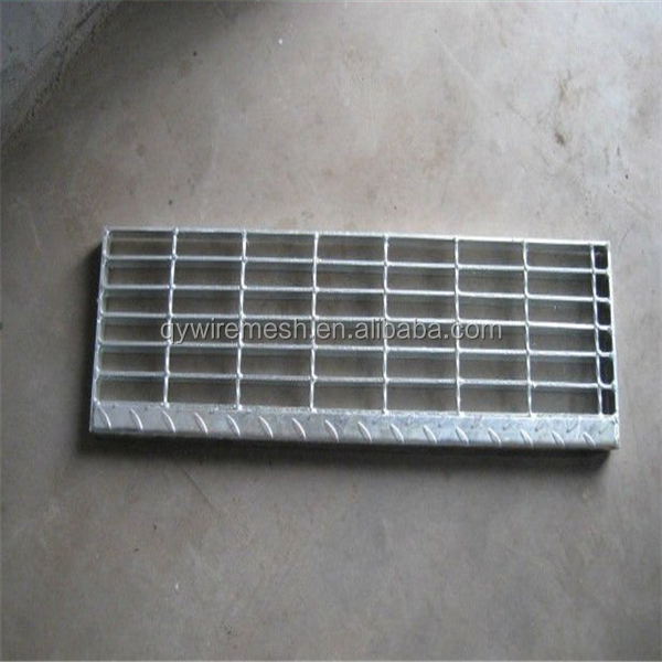 galvanized serrated anti-slip grating stair treads,serrated bar grating