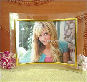 Factory Price Souvenir Bend Glass Photo Frame/Beautiful Gift Curved Glass Photo Frame