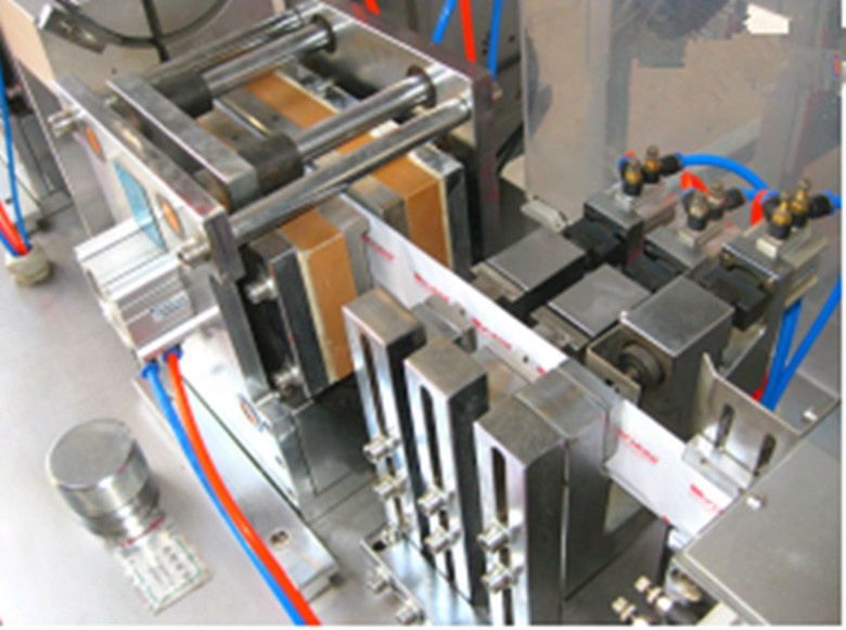 Latest wholesale high quality horizontal four side sealing single wet wipes making machine from china