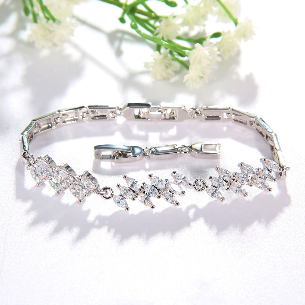 Hot Sale Fancy Jewelry Custom Silver Women CZ Crystal Bangles