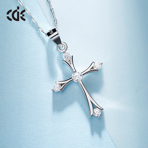 Wholesale China Crystal Silver Cross Pendant Religious Jewelry