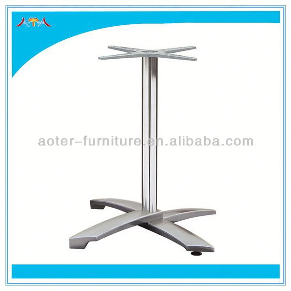 Classic metal stand for table