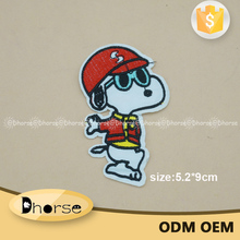 Wholesale cheap customized Snoopy embroidered patch for clothing