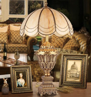 Royal Antique European Style Full Golden Brass Prize Cup Table Lamp with Transparent Alabaster Shade BF11-01214e