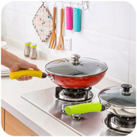 Hot resistant removable silicone cooking pot handle