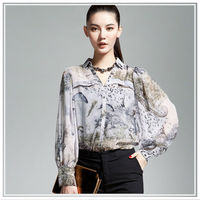 Cool ladies's shirt in digital printing fabrics