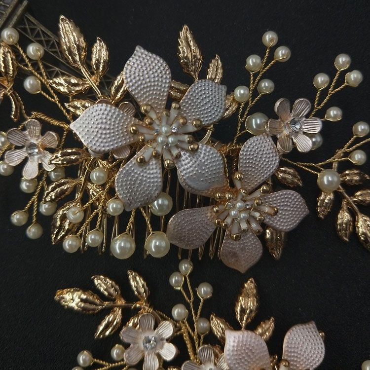 Dainty Mystic Gold Floral and Pearl Hair Side Comb Bridal Hair Jewelry Women Hair Pin Wedding Dancing Headpiece