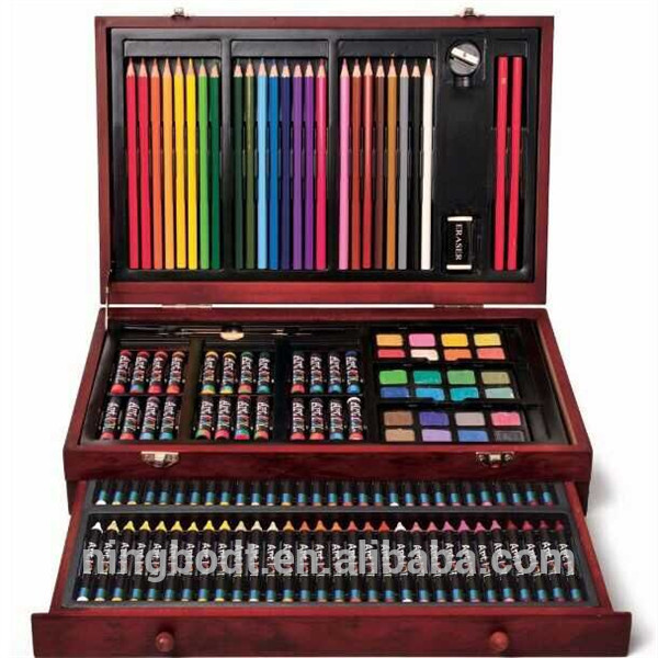 Exquisite coloring sets with colored pencils, color pens and crayons