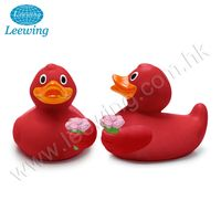 Valentine Day Festival Promo Gift Item Rose Lover Vinyl Duck with Flowers Bath Toy