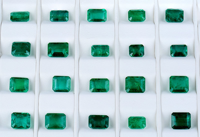 emerald oval product x mm j jewels green colombian il r gemstone loose natural fullxfull