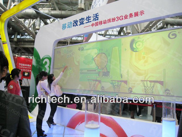Interactive floor/wall projection system brings interactive fun for kids