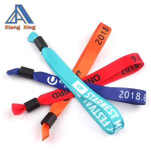 Plastic lock polyester textile custom cloth wristband for festival event